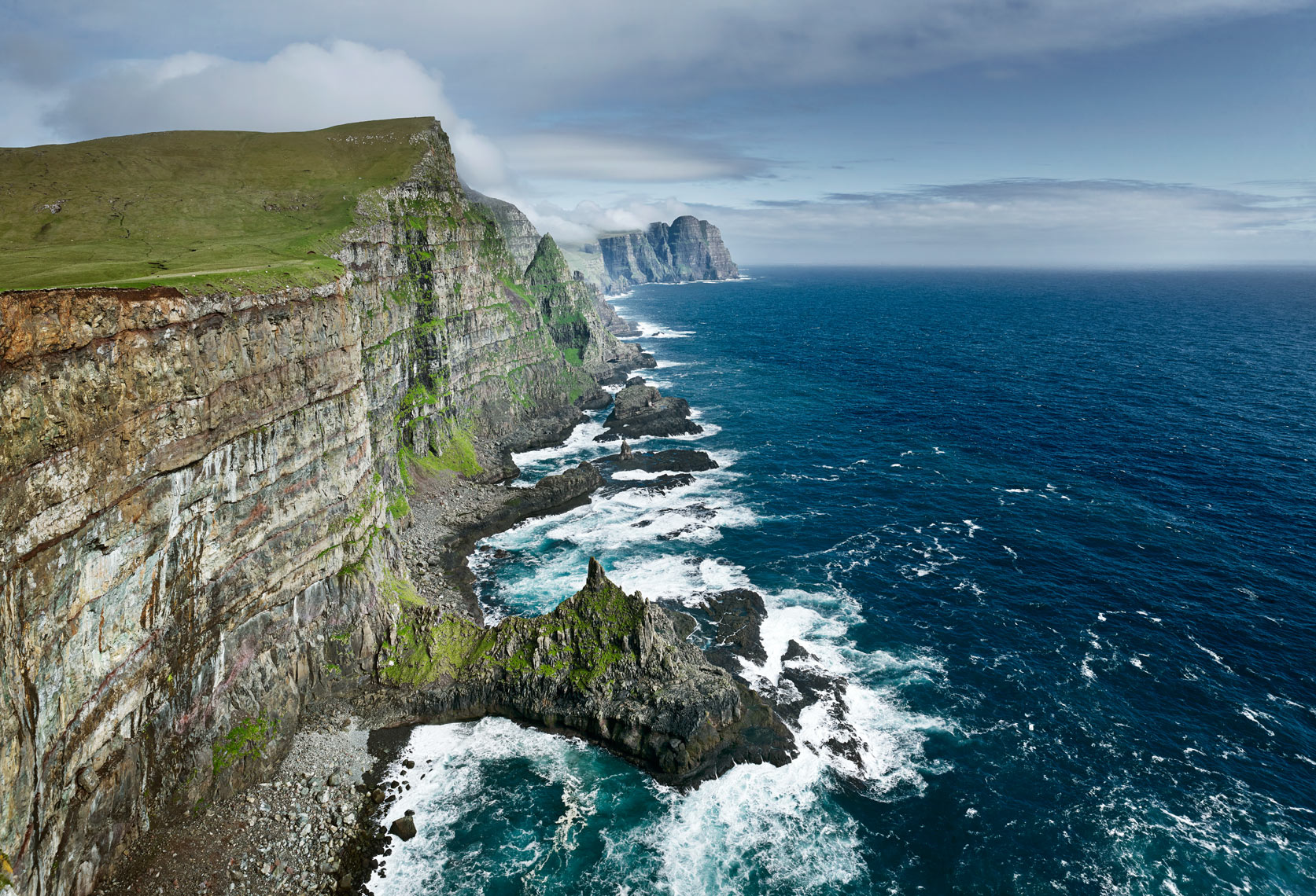 Sea cliffs of West Suduroy