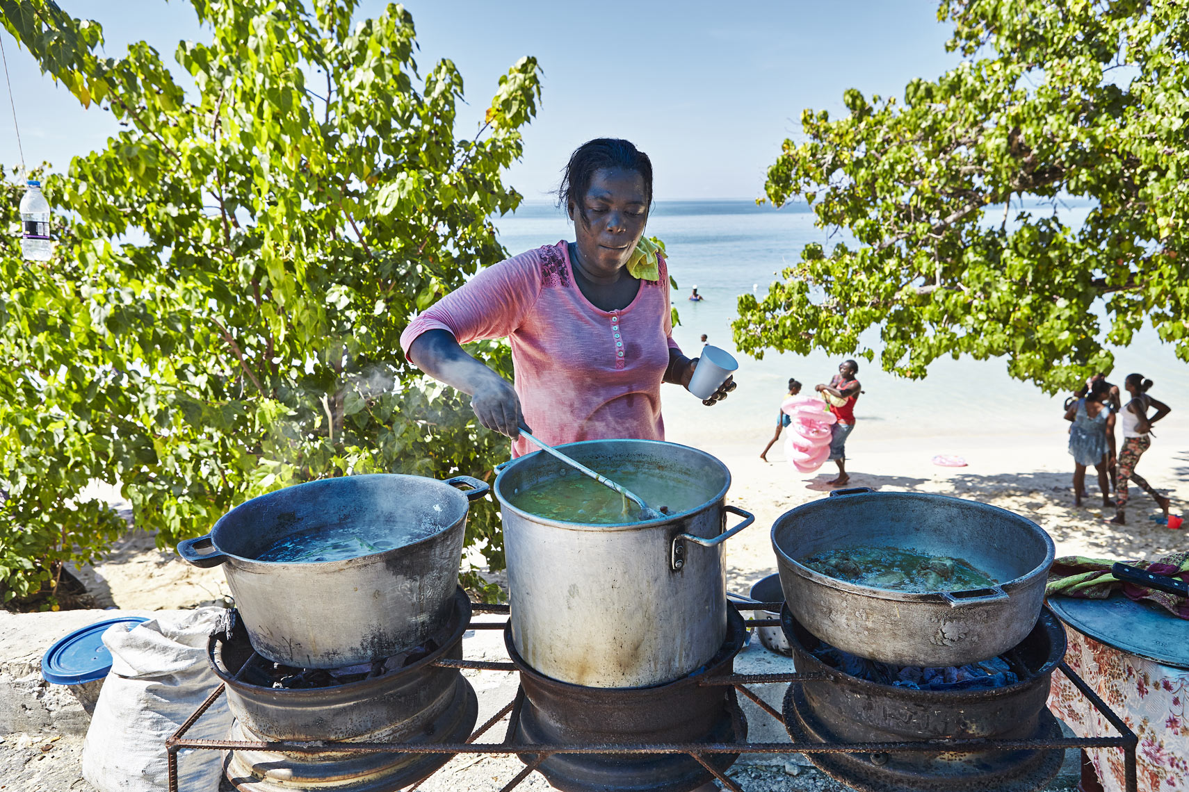 Street-food-at-the-beach_St-Elizabeth_2